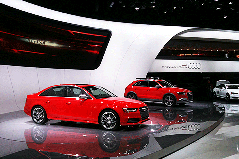 """""""LED to go"""" show at the AUDI exhibition booth in Detroit 2012"""
